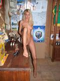 http://img18105.imagevenue.com/loc17/th_48072_judit2216_122_17lo.jpg