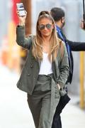 http://img18105.imagevenue.com/loc904/th_219721434_Jennifer_Lopez__Arrives_at_Jimmy_Kimmel_Live__09_122_904lo.jpg